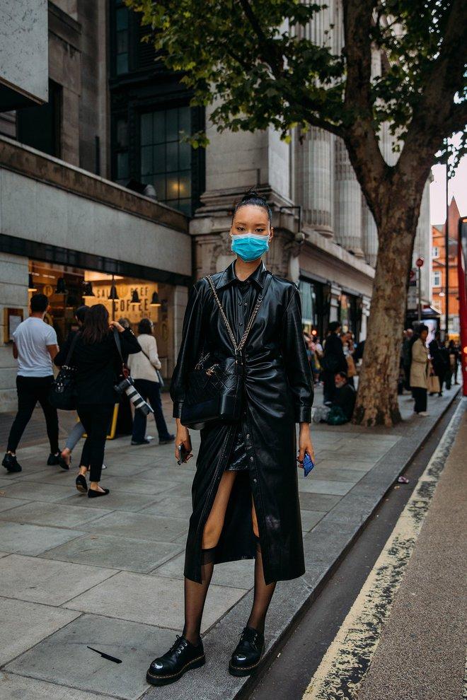 Dân tình bung lụa tại London Fashion Week: Khả năng chơi màu như phù thủy, độ chiến lên level sau 1 năm im ắng - ảnh 12