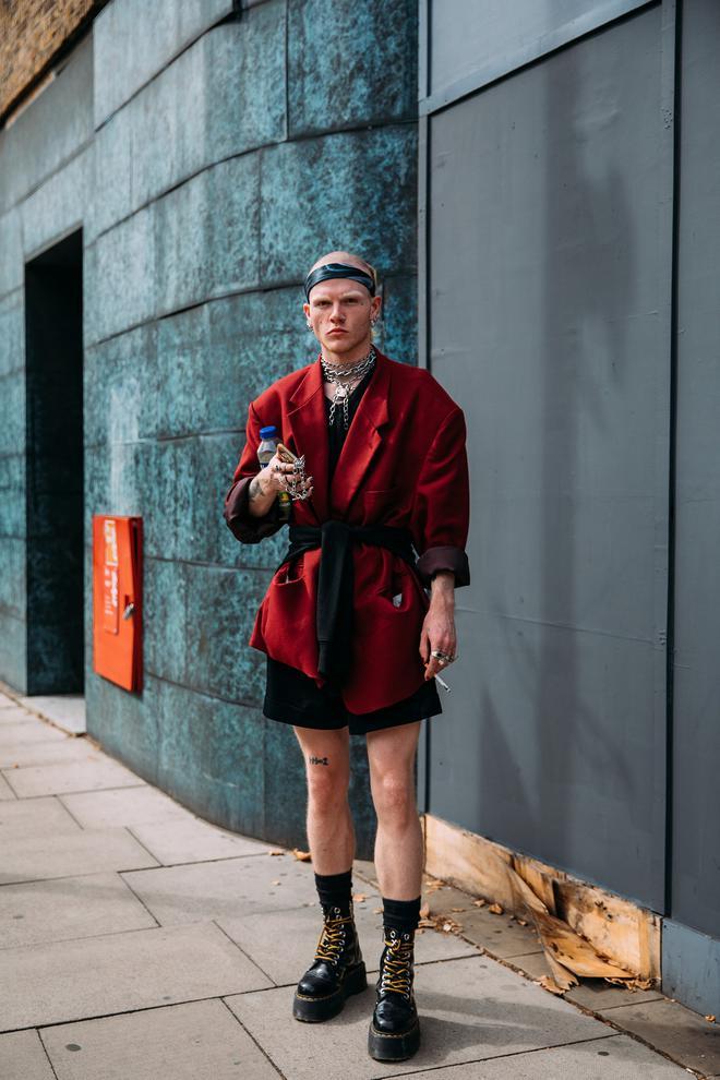 Dân tình bung lụa tại London Fashion Week: Khả năng chơi màu như phù thủy, độ chiến lên level sau 1 năm im ắng - ảnh 4