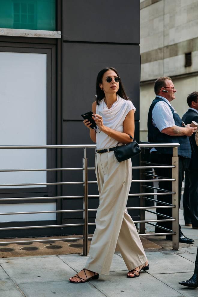 Dân tình bung lụa tại London Fashion Week: Khả năng chơi màu như phù thủy, độ chiến lên level sau 1 năm im ắng - ảnh 27