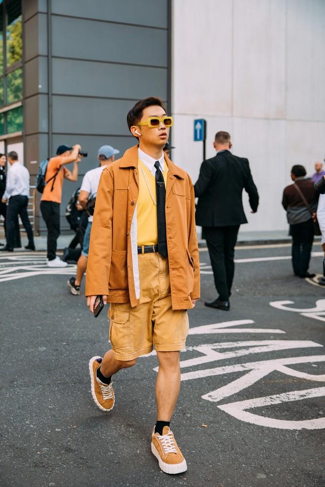Dân tình bung lụa tại London Fashion Week: Khả năng chơi màu như phù thủy, độ chiến lên level sau 1 năm im ắng - ảnh 18