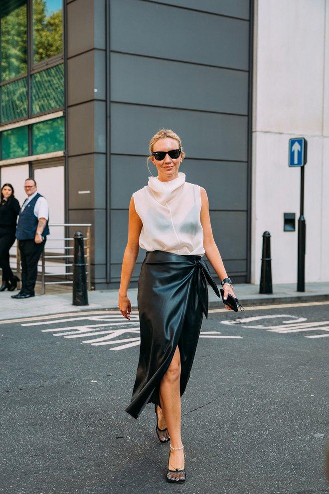 Dân tình bung lụa tại London Fashion Week: Khả năng chơi màu như phù thủy, độ chiến lên level sau 1 năm im ắng - ảnh 26