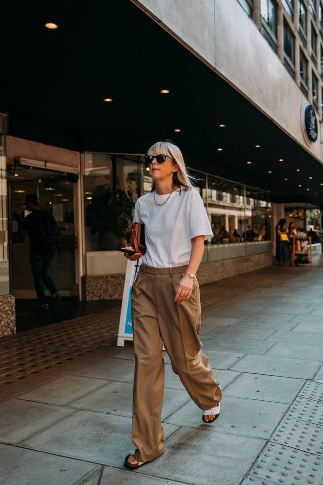 Dân tình bung lụa tại London Fashion Week: Khả năng chơi màu như phù thủy, độ chiến lên level sau 1 năm im ắng - ảnh 25
