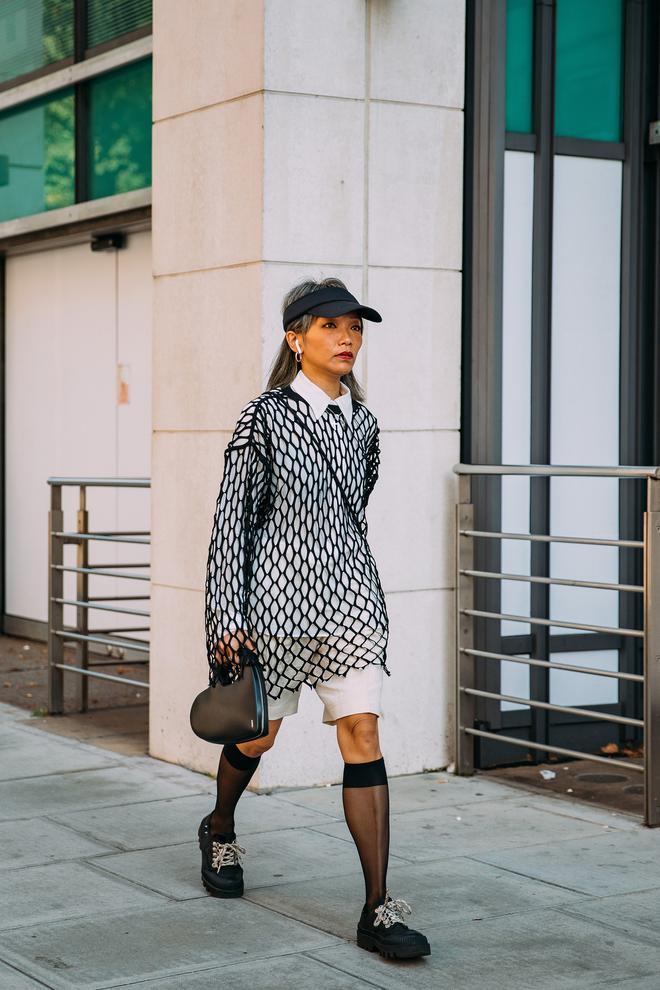 Dân tình bung lụa tại London Fashion Week: Khả năng chơi màu như phù thủy, độ chiến lên level sau 1 năm im ắng - ảnh 13
