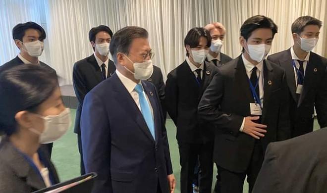 BTS diện kiến Tổng thư ký, gây bão với bài phát biểu tại Liên Hợp Quốc: Thay vì thế hệ mất mát, hãy gọi chúng tôi là thế hệ đón chào - ảnh 16