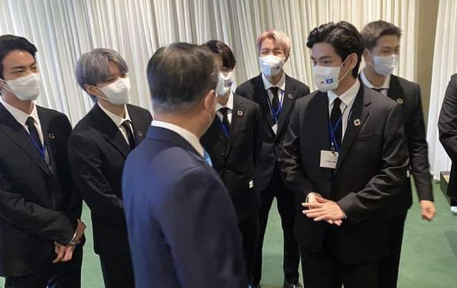 BTS diện kiến Tổng thư ký, gây bão với bài phát biểu tại Liên Hợp Quốc: Thay vì thế hệ mất mát, hãy gọi chúng tôi là thế hệ đón chào - ảnh 15