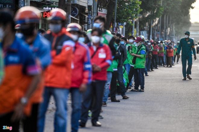 Diễn biến dịch ngày 20/9: Hà Nội dự kiến không chia 3 phân vùng sau ngày 21/9, tiếp tục duy trì 23 chốt cửa ngõ; Hơn 6,5 triệu người đã tiêm 2 mũi vaccine Covid-19 - Ảnh 3.