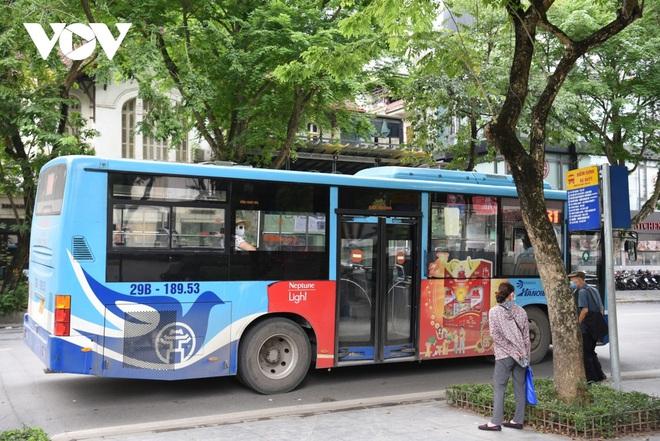 Những ai được đi xe buýt ở Hà Nội sau ngày 21/9? - ảnh 1