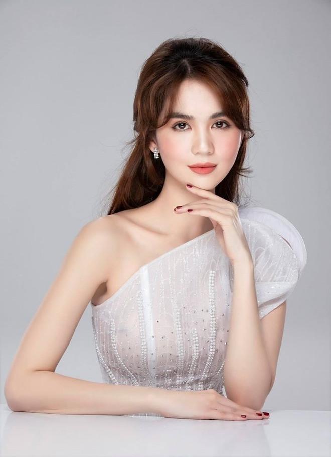 3 lần Ngọc Trinh lên báo Trung: Được ví là Angela Baby, đẹp gấp 10 lần Lâm Chí Linh, bị gán mác gợi dục trên thảm đỏ quốc tế - ảnh 6