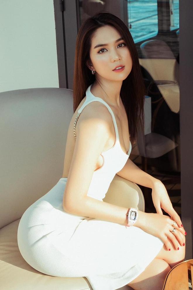 3 lần Ngọc Trinh lên báo Trung: Được ví là Angela Baby, đẹp gấp 10 lần Lâm Chí Linh, bị gán mác gợi dục trên thảm đỏ quốc tế - ảnh 11