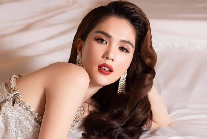 3 lần Ngọc Trinh lên báo Trung: Được ví là Angela Baby, đẹp gấp 10 lần Lâm Chí Linh, bị gán mác gợi dục trên thảm đỏ quốc tế - ảnh 13