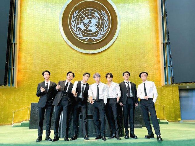 BTS diện kiến Tổng thư ký, gây bão với bài phát biểu tại Liên Hợp Quốc: Thay vì thế hệ mất mát, hãy gọi chúng tôi là thế hệ đón chào - ảnh 1