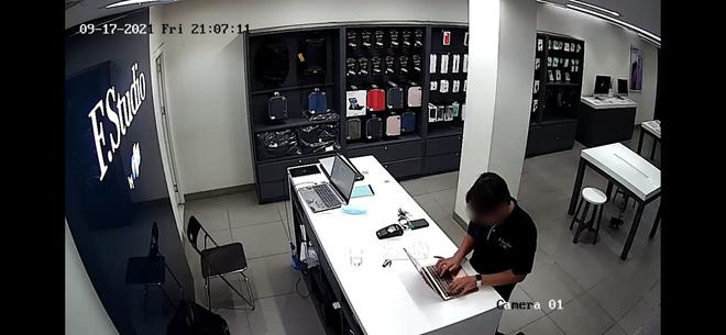 Vụ đánh cắp thông tin nhạy cảm của khách hàng: FPT Shop sa thải 3 nhân viên, cảnh báo các tài khoản giả mạo - ảnh 2