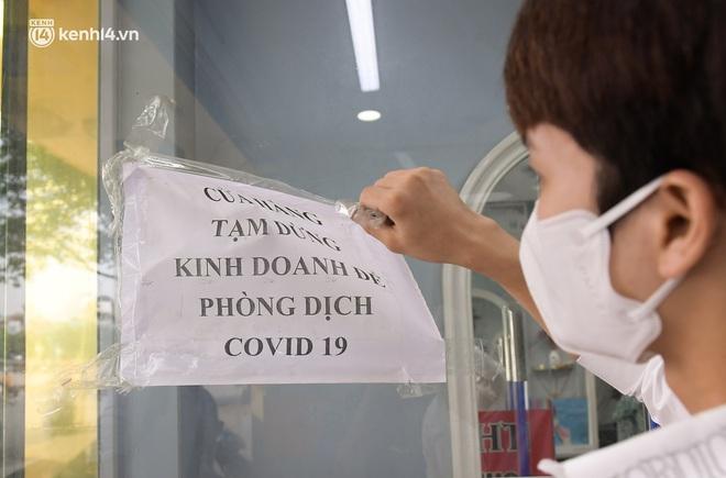 Toàn cảnh Hà Nội trong ngày đầu nới lỏng giãn cách: Đặc sản tắc đường, nhịp sống quay trở lại, người dân ùn ùn ra cửa ngõ rời Thủ đô - ảnh 25