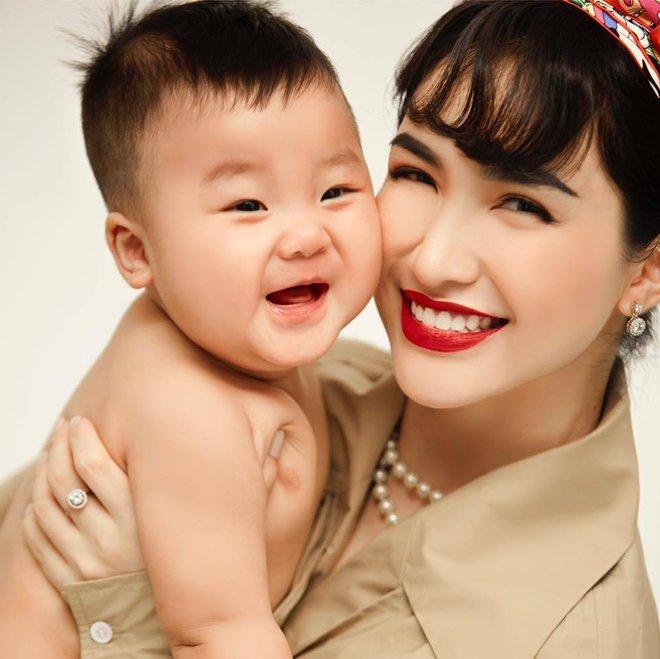 Con trai Hoà Minzy chiếm sóng MXH dịp Trung thu: Gặp chú Tễu tưởng vui ai ngờ... khóc thét! - ảnh 6