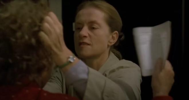 Giáo viên 40 tuổi bệnh hoạn, đòi BDSM với học trò rồi nhận cái kết kinh hoàng: Ngập cảnh nóng tức mắt, phim danh giá này bị cấm khắp thế giới! - ảnh 2