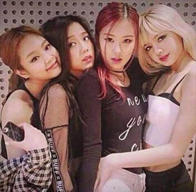 Lisa hé lộ lần đầu tiên gặp thành viên BLACKPINK: Cử chỉ ấn tượng của Jennie chưa chắc đã gây tò mò bằng nhan sắc Jisoo - ảnh 10