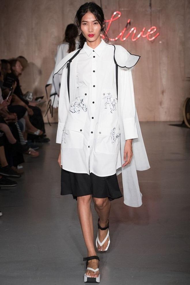 Mùa Fashion Week năm ấy, Hoàng Thuỳ lộ hàng - ảnh 5
