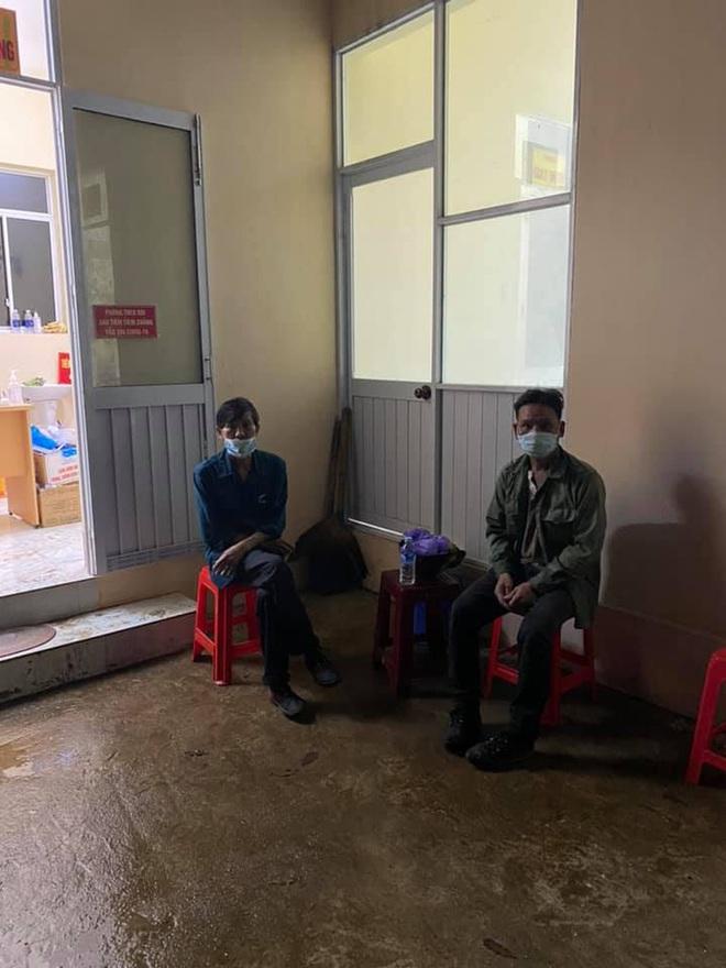 Dắt túi đúng 90k, đi 300km về chịu tang cha, 2 anh em xin qua chốt kiểm dịch và cuộc gặp bất ngờ trong đêm - ảnh 5
