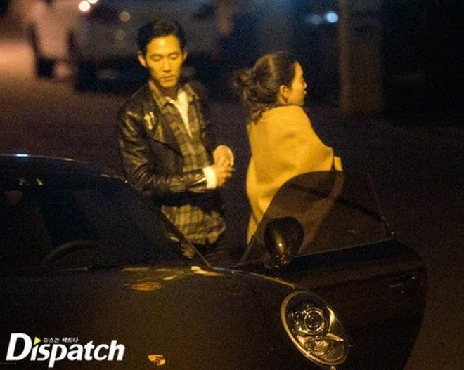 """Đời tư Lee Jung Jae (Squid Game): Cặp tiểu tam trơ trẽn nhất Kbiz, """"đào mỏ"""" cô dâu Samsung đến tin đồn yêu đồng tính - Ảnh 10."""