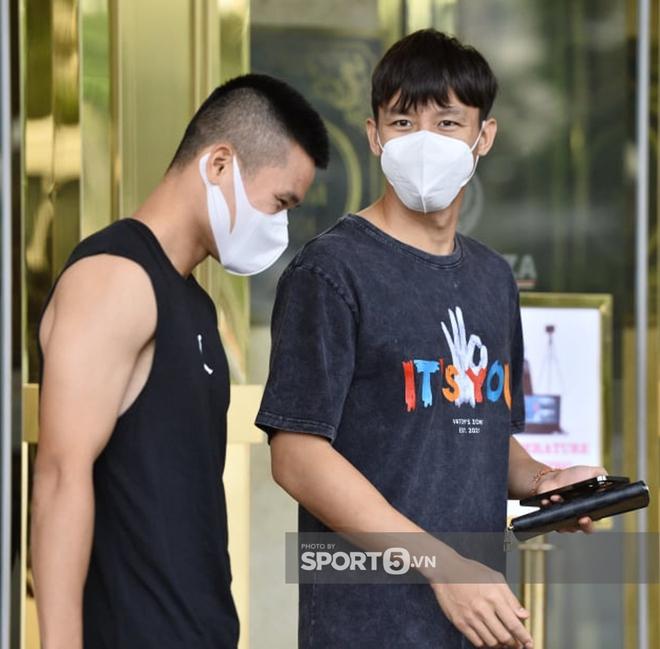 Vợ Xuân Trường lần đầu lộ diện sau vụ bị netizen nhận xét lạnh lùng, thái độ có như trước đây? - ảnh 4