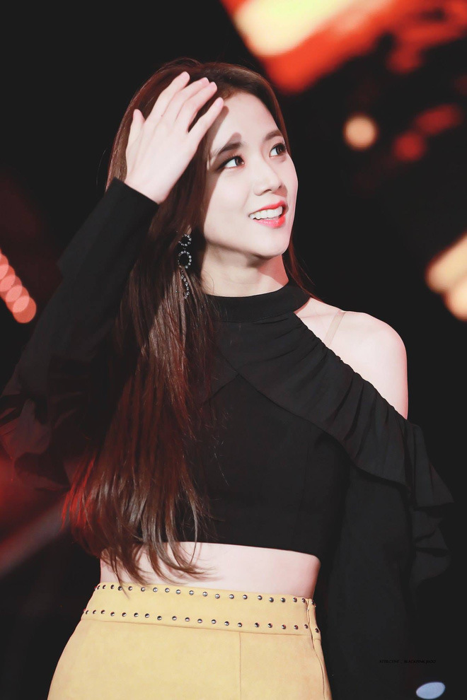 """4 lần bùng nổ visual của Jisoo: Leo top trending toàn thế giới, danh xưng """"Miss Korea"""" không phải để đùa đâu! - Ảnh 2."""