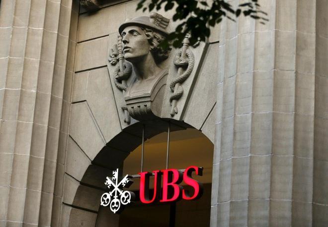 Giới siêu giàu dùng ngân hàng: Chọn dịch vụ trên trời, hưởng đặc quyền xa xỉ nhưng vẫn phải tiền đẻ ra tiền - ảnh 2
