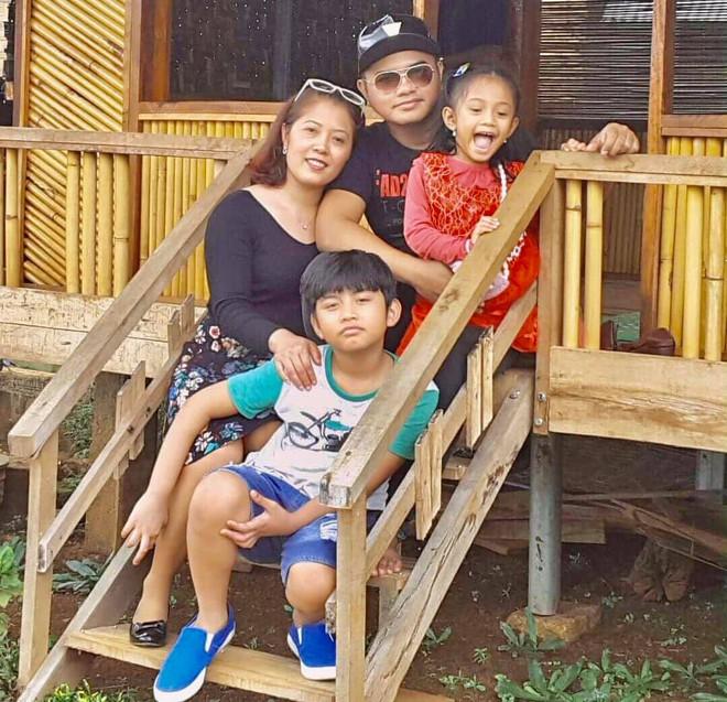 Xót xa cảnh tro cốt ca sĩ Y Jang Tuyn trở về với gia đình, Việt Hương nói gì mà nghe quá xúc động? - Ảnh 5.