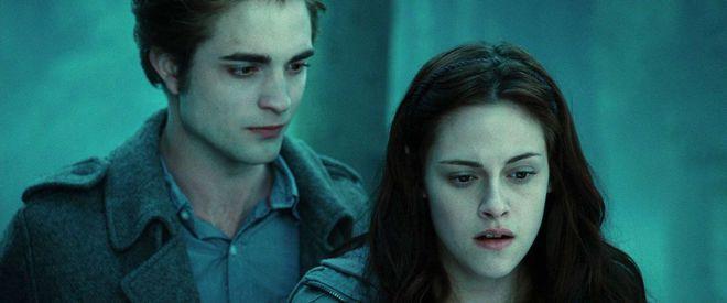 Đây là cảnh phim bốc mùi, mất vệ sinh nhất của Twilight, may mà bị cắt bỏ kẻo toang sạch hình tượng Bella! - Ảnh 1.
