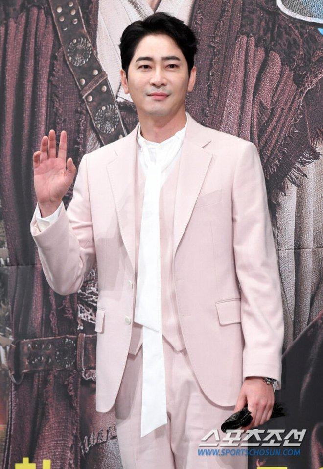 Top 1 Dispatch: Tài tử Kang Ji Hwan (Coffee House) phải đền trăm tỷ vì vụ xâm hại tình dục dù có bằng chứng bị gài bẫy - ảnh 5