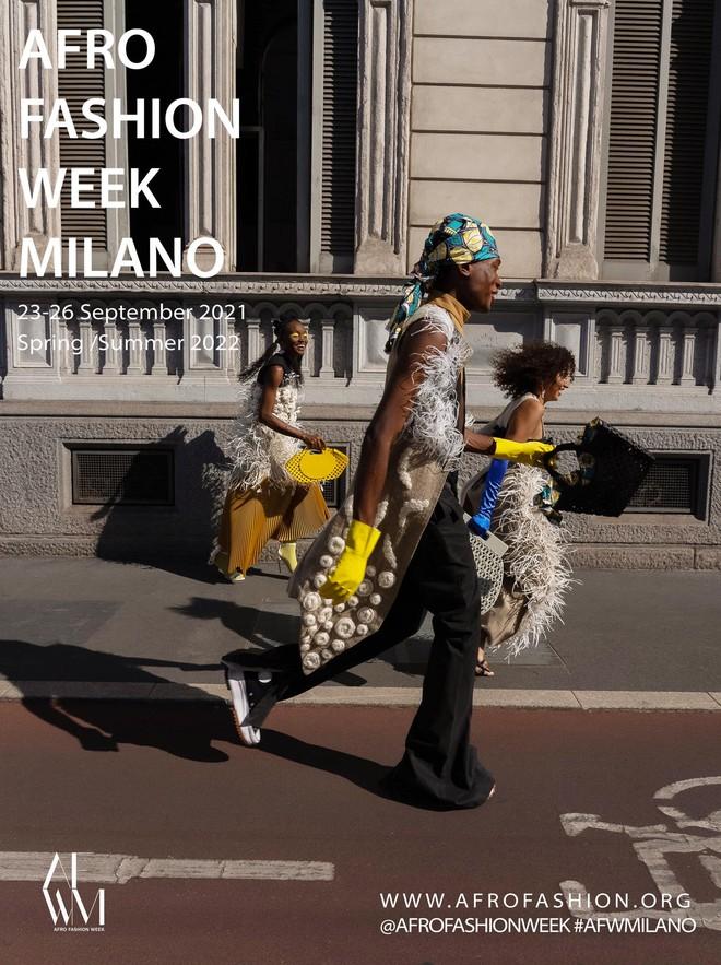Xuất hiện NTK người Việt được debut ở Milan Fashion Week, đến bà đầm thép Anna Wintour cũng khen ngợi, siêu mẫu Naomi Campbell muốn mặc thử đồ - Ảnh 5.