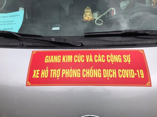 """Xe cấp cứu dán chữ """"Giang Kim Cúc và các cộng sự chở chui 3 người còn hú còi inh ỏi, tài xế khai báo vòng vo - ảnh 2"""
