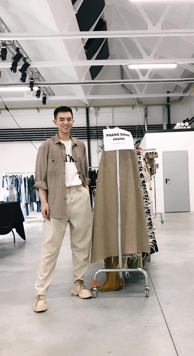 Xuất hiện NTK người Việt được debut ở Milan Fashion Week, đến bà đầm thép Anna Wintour cũng khen ngợi, siêu mẫu Naomi Campbell muốn mặc thử đồ - ảnh 1