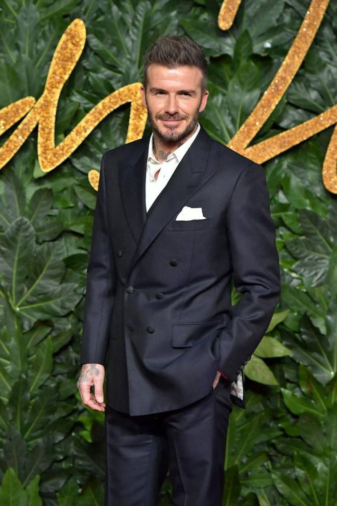 Hình ảnh trẻ măng của David Beckham bỗng bị đào lại, nhan sắc cách đây gần 30 năm thế nào mà khiến dân tình náo loạn - Ảnh 9.