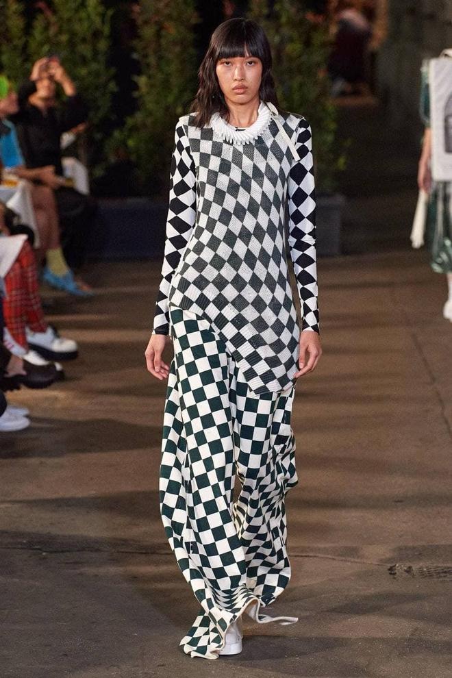 Hot: Phương Oanh Next Top khiến giới thời trang nước nhà tự hào khi trình diễn cho nhà mốt đình đám Dolce & Gabbana! - ảnh 3