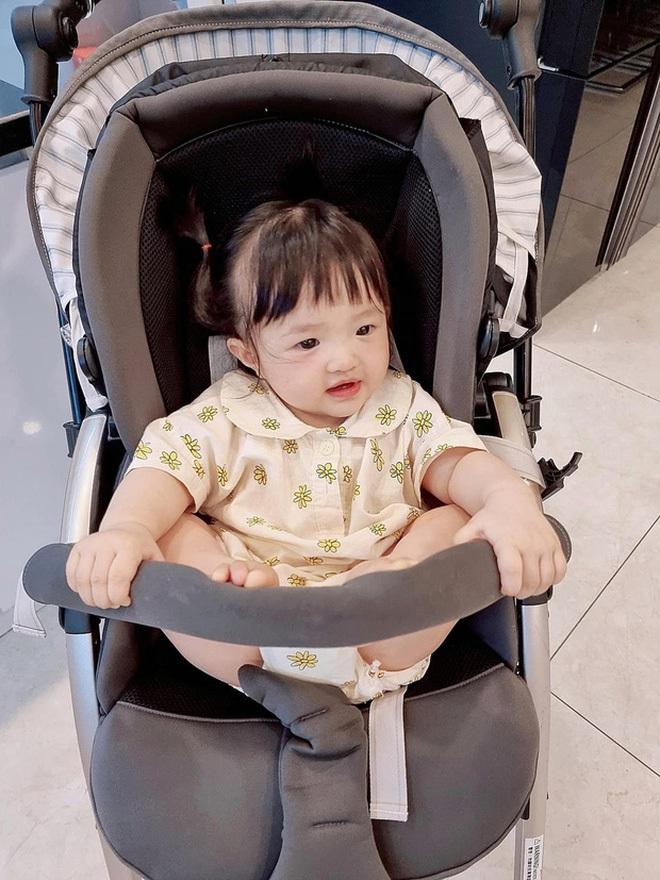 Phát hiện 1 thay đổi lớn của ái nữ tròn 11 tháng tuổi nhà Đông Nhi, là gì mà ai cũng phải khen dễ thương? - Ảnh 5.
