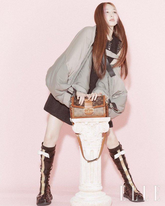Nayeon lên bìa tạp chí, netizen nghi nàng idol học tập dáng pose cấy lúa huyền thoại từ mỹ nữ Cbiz - ảnh 5