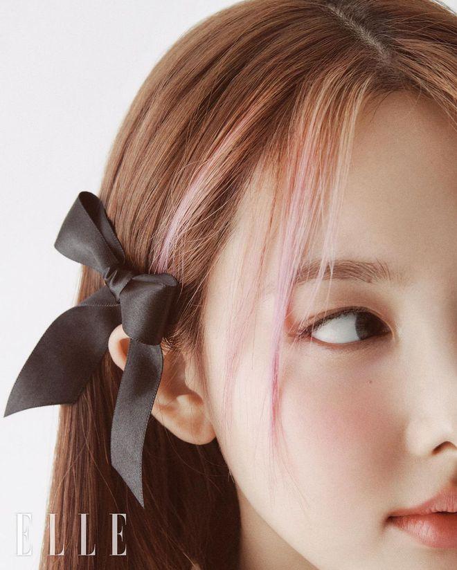 Nayeon lên bìa tạp chí, netizen nghi nàng idol học tập dáng pose cấy lúa huyền thoại từ mỹ nữ Cbiz - ảnh 12