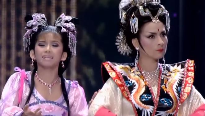 Phi Nhung từng cân đẹp loạt vai mỹ nhân Hoa ngữ: Có màn giả trai đáng học hỏi, làm Võ Tắc Thiên đâu thua gì Phạm Băng Băng - ảnh 18