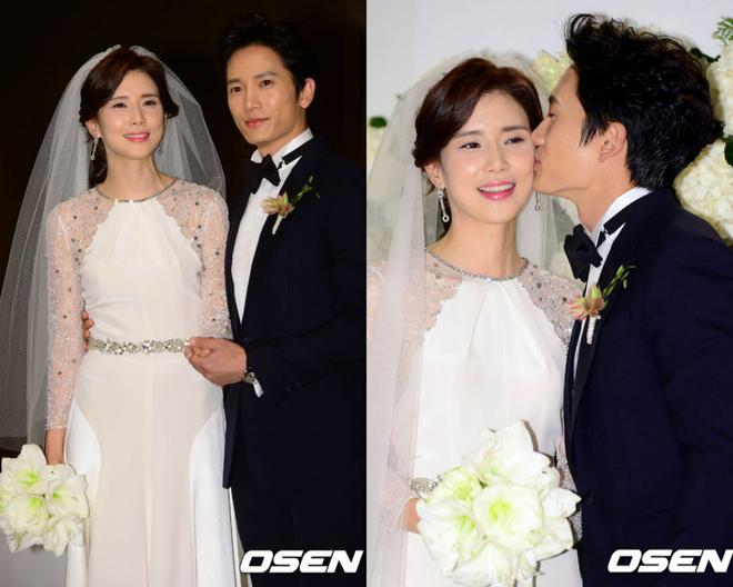 Mợ út tài phiệt Lee Bo Young và tài tử Ji Sung kỷ niệm 8 năm kết hôn, bộ ảnh cưới thế kỷ và tin đồn tiểu tam bỗng hot trở lại - ảnh 2