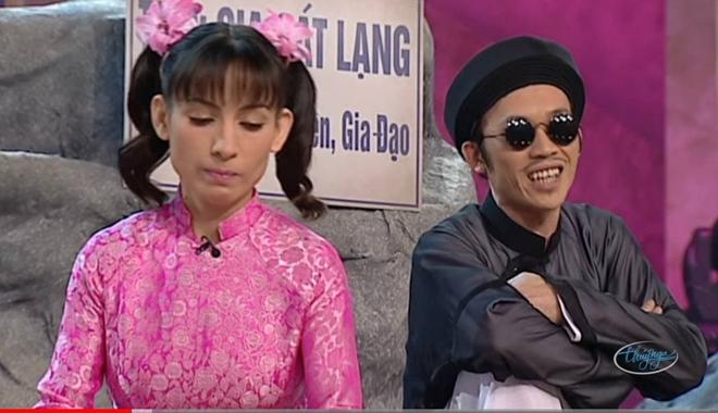 Netizen chia sẻ lại sân khấu huyền thoại của Phi Nhung diễn với Hoài Linh: Tiểu phẩm hài nhưng nay cười không nổi - ảnh 3