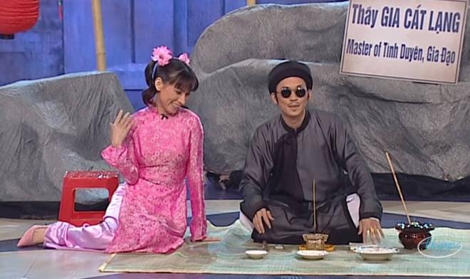 Netizen chia sẻ lại sân khấu huyền thoại của Phi Nhung diễn với Hoài Linh: Tiểu phẩm hài nhưng nay cười không nổi - ảnh 4