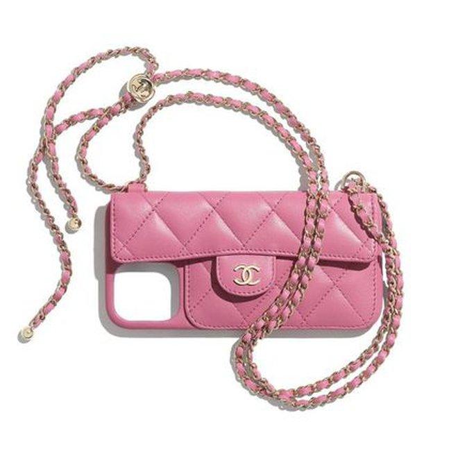 Phạm Hương đăng ảnh bụng bầu tại Mỹ, nhưng netizen lại săm soi mẫu ốp iPhone Chanel vì quá đắt đỏ! - ảnh 4