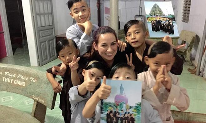 23 người con của Phi Nhung gồm những ai và sống thế nào trước khi mẹ nuôi qua đời? - Ảnh 10.