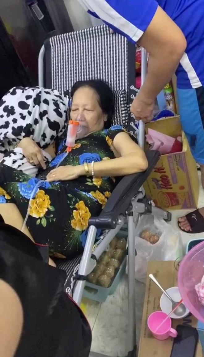 """Hành trình giành mẹ từ tay """"tử thần"""" của gia đình 16 F0 tự điều trị tại nhà: """"Mình ép mẹ uống thuốc, đút từng viên một"""" - Ảnh 3."""