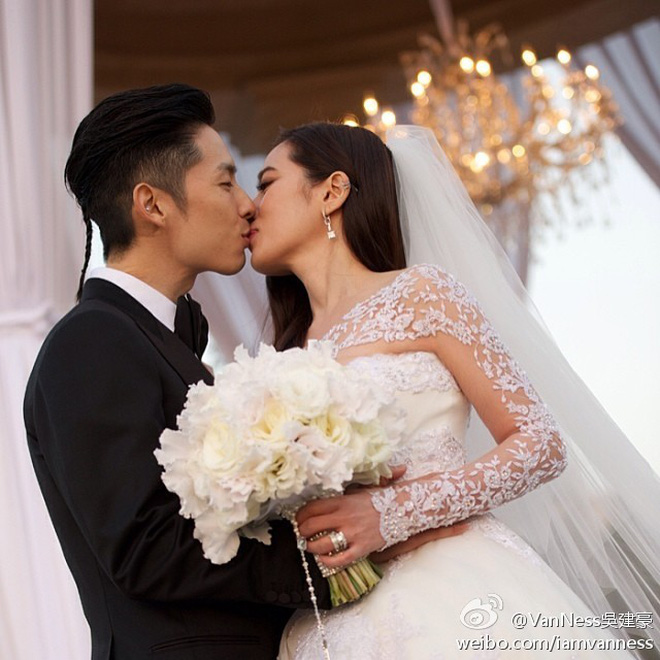 Ngô Kiến Hào: Thành viên bị chê xấu nhất F4 cưới kiều nữ Singapore với 1001 drama ly hôn và cú lội ngược dòng ngoạn mục tuổi 43 - ảnh 11