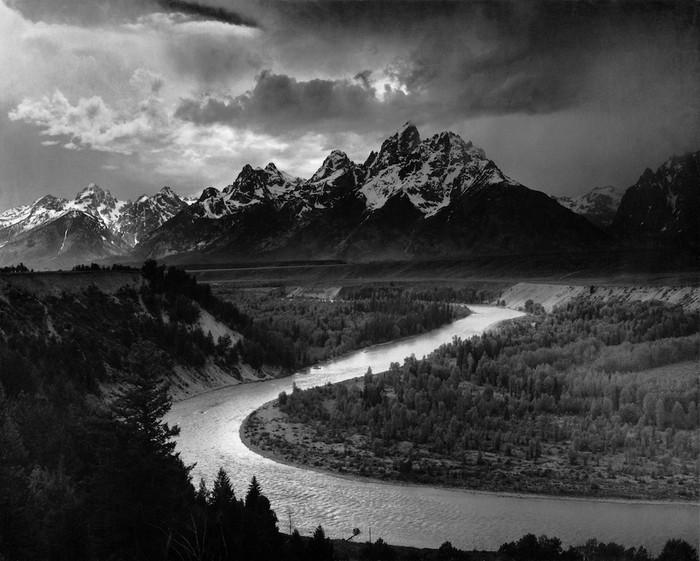 Large Format:  Ông tổ của ngành nhiếp ảnh hiện đại và những tấm ảnh có thể to như bức tranh treo tường - Ảnh 3.