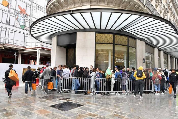 BST Louis Vuitton x Supreme bất ngờ bị hủy bán tại Mỹ không lý do khiến các tín đồ thời trang ngơ ngác - Ảnh 4.