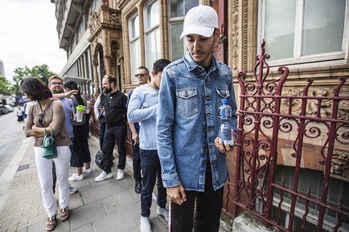 BST Louis Vuitton x Supreme bất ngờ bị hủy bán tại Mỹ không lý do khiến các tín đồ thời trang ngơ ngác - Ảnh 5.