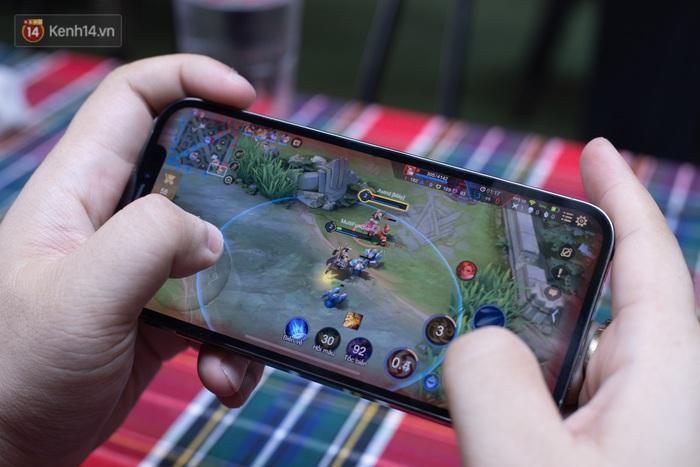 Top smartphone chơi game đỉnh của chóp, iPhone thì vô đối rồi nhưng nếu giá rẻ thì chọn mẫu nào? - Ảnh 1.