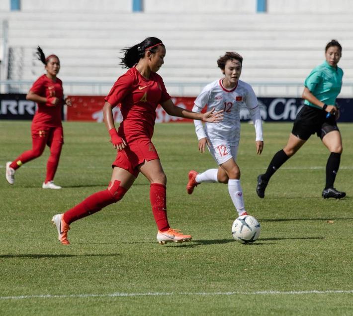 Bất ngờ với lý lịch khủng của tuyển thủ Indonesia vừa bị tuyển nữ Việt Nam đánh bại 6-0: Chiều cao vượt trội, sống ở châu Âu từ nhỏ, đang thi đấu ở CLB hàng đầu nước Anh - Ảnh 2.